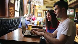 How To Choose The Right Bar For A Business Meeting